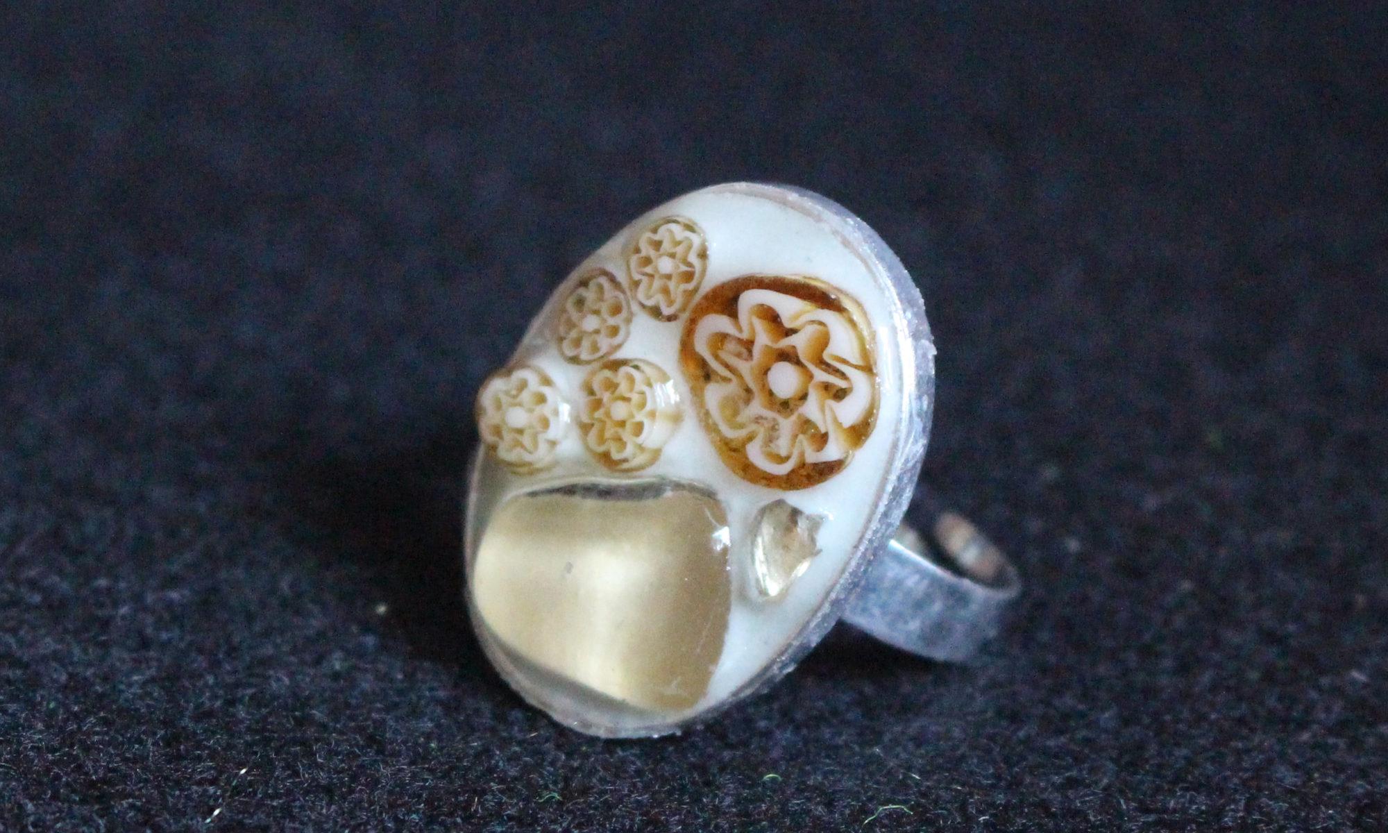 bague beige perles et millifiori