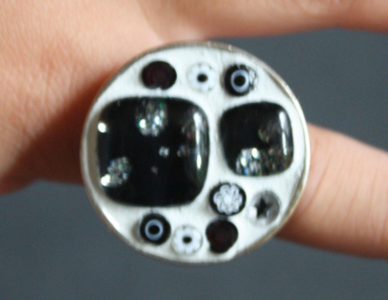 Bague perles et millifiori noire et blanche